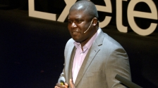 TED: Bandi Mbubi: Demand a fair trade cell phone - Bandi Mbubi (2012)