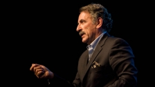 TED: Ernesto Sirolli: Want to help someone? Shut up and listen! - Ernesto Sirolli (2012)