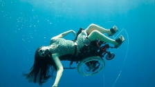 TED: Sue Austin: Deep sea diving &#226;&#128;&#166; in a wheelchair - Sue Austin (2012)